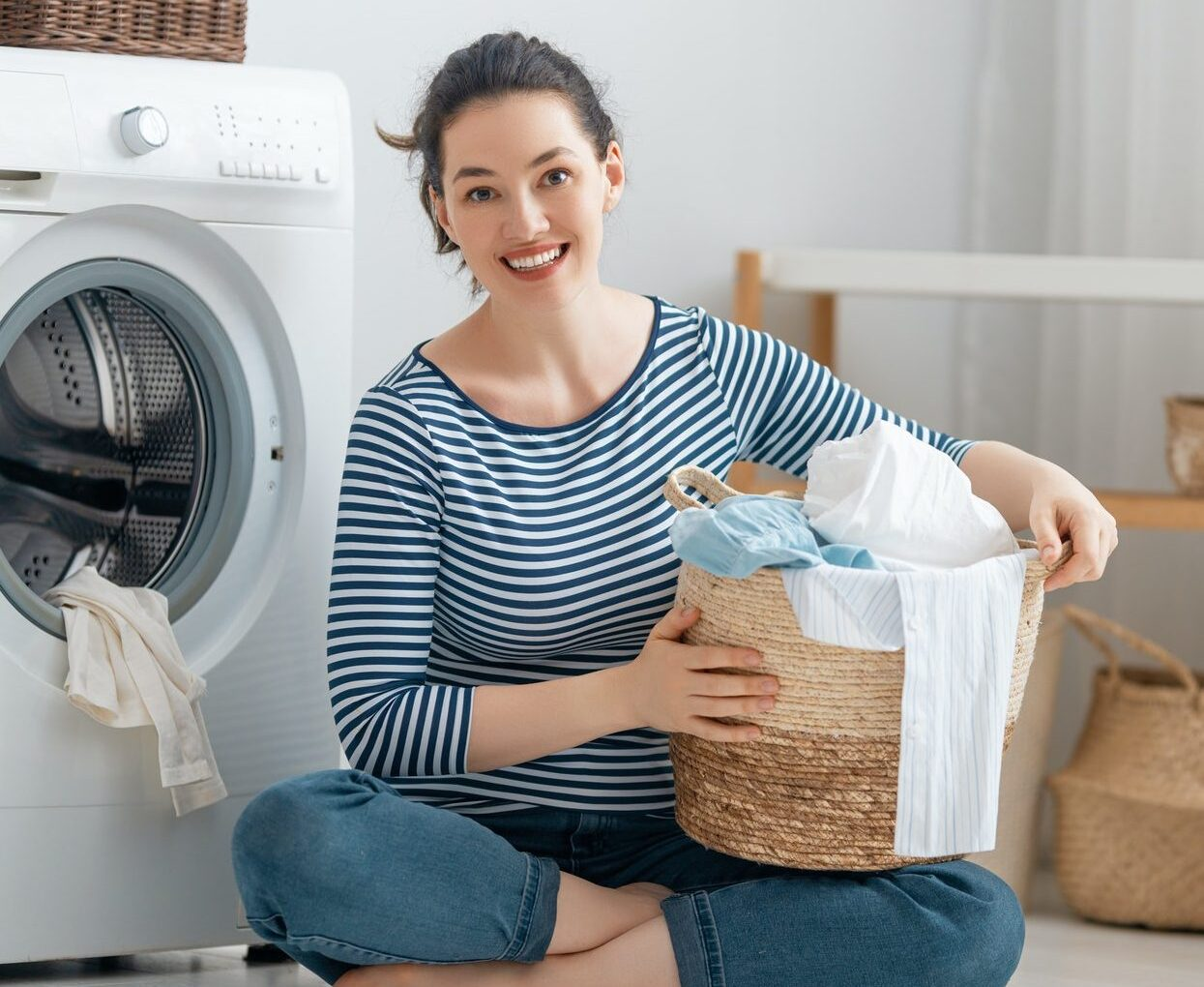 woman-is-doing-laundry-1-e1619415412517